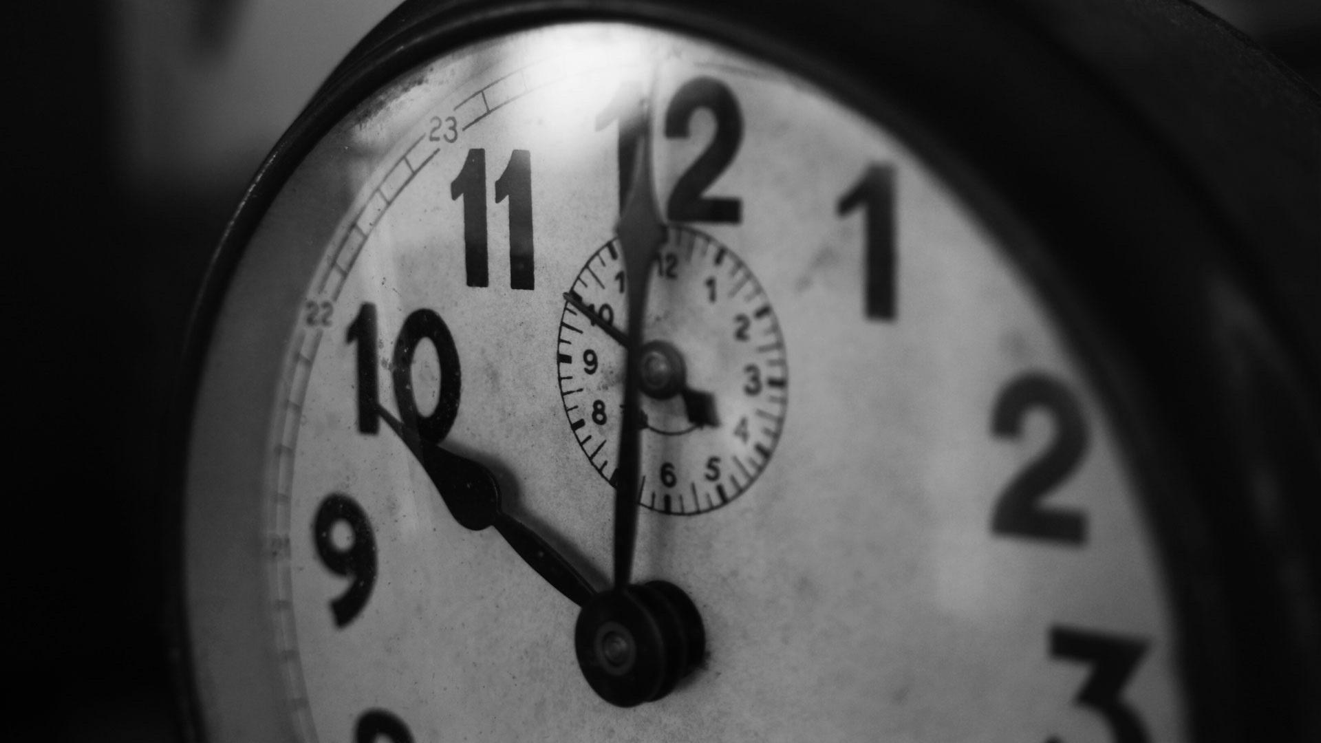 clock tristan-colangelo-39719.jpg